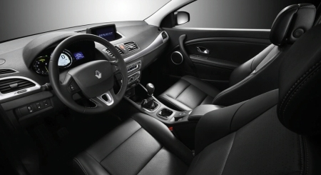 2009-renault-megane-coupe-interior